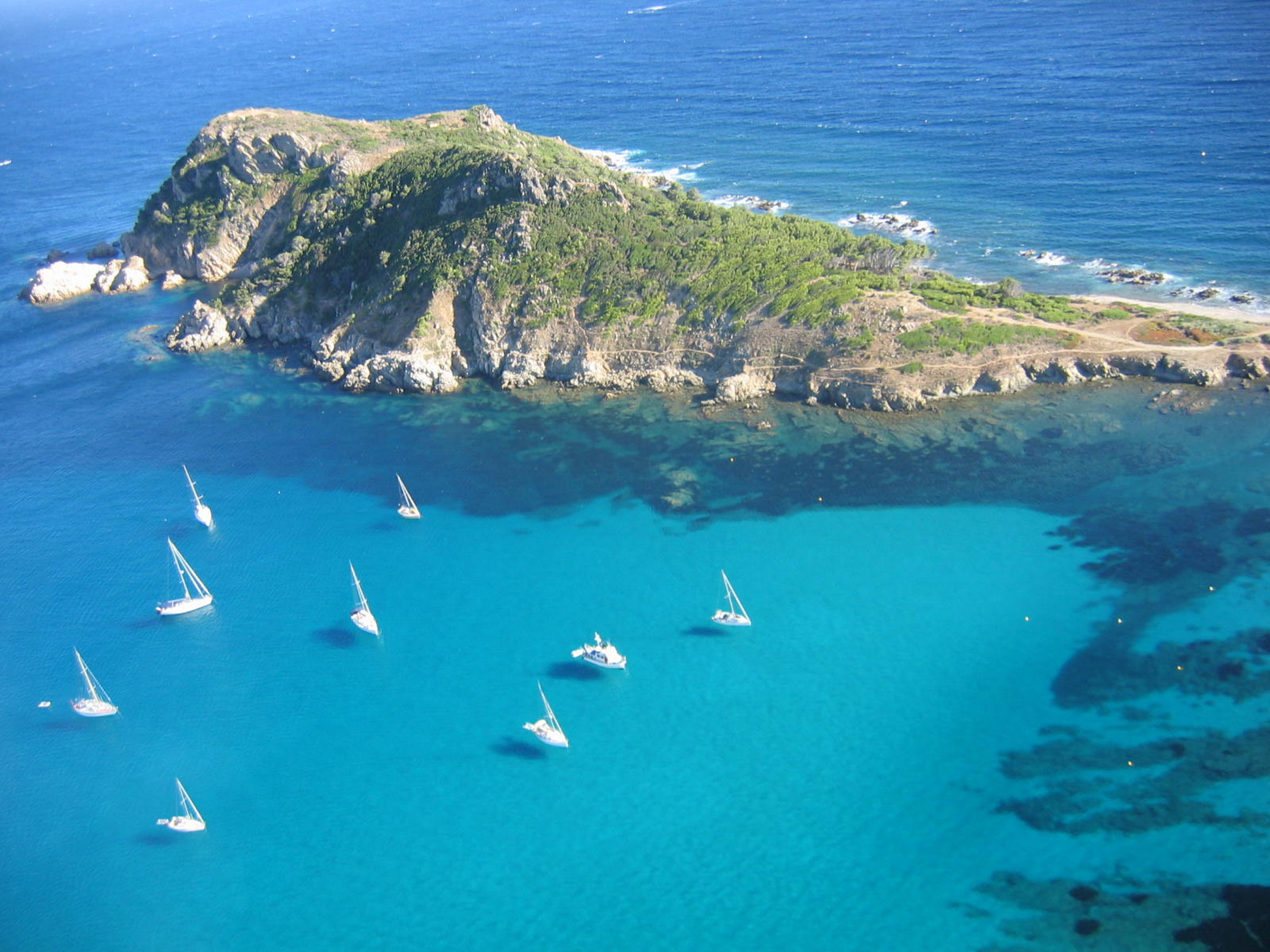 Cap Taillat Tours Amp Packages Location Bateau Cannes
